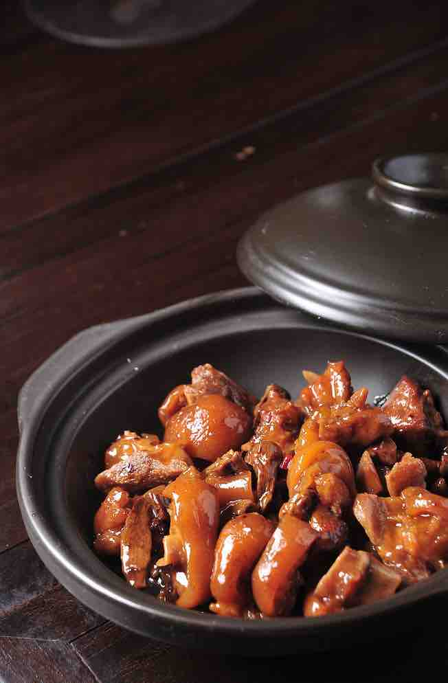The Best And Most Surprising Food For Healthy Skin – Braised Pork Feet